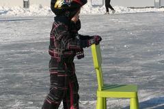 Nooitgedagt2012_kind-leert-schaatsen